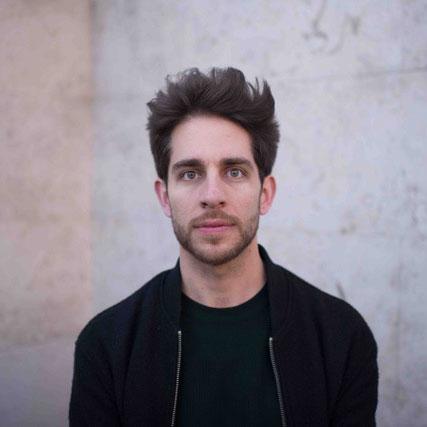 Portrait - Simon Karlstetter